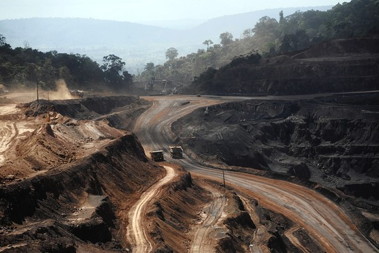 SOS Amazon: the Brazilian government wants to open up the forest to mining.
