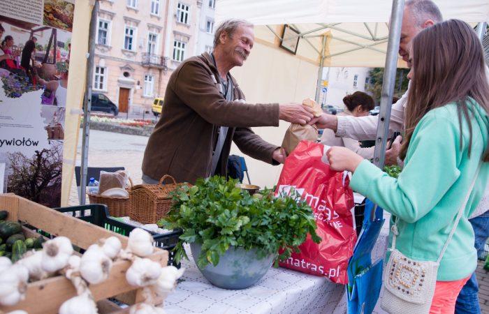 Un mercado para: generar una nueva comunidad Slow Food