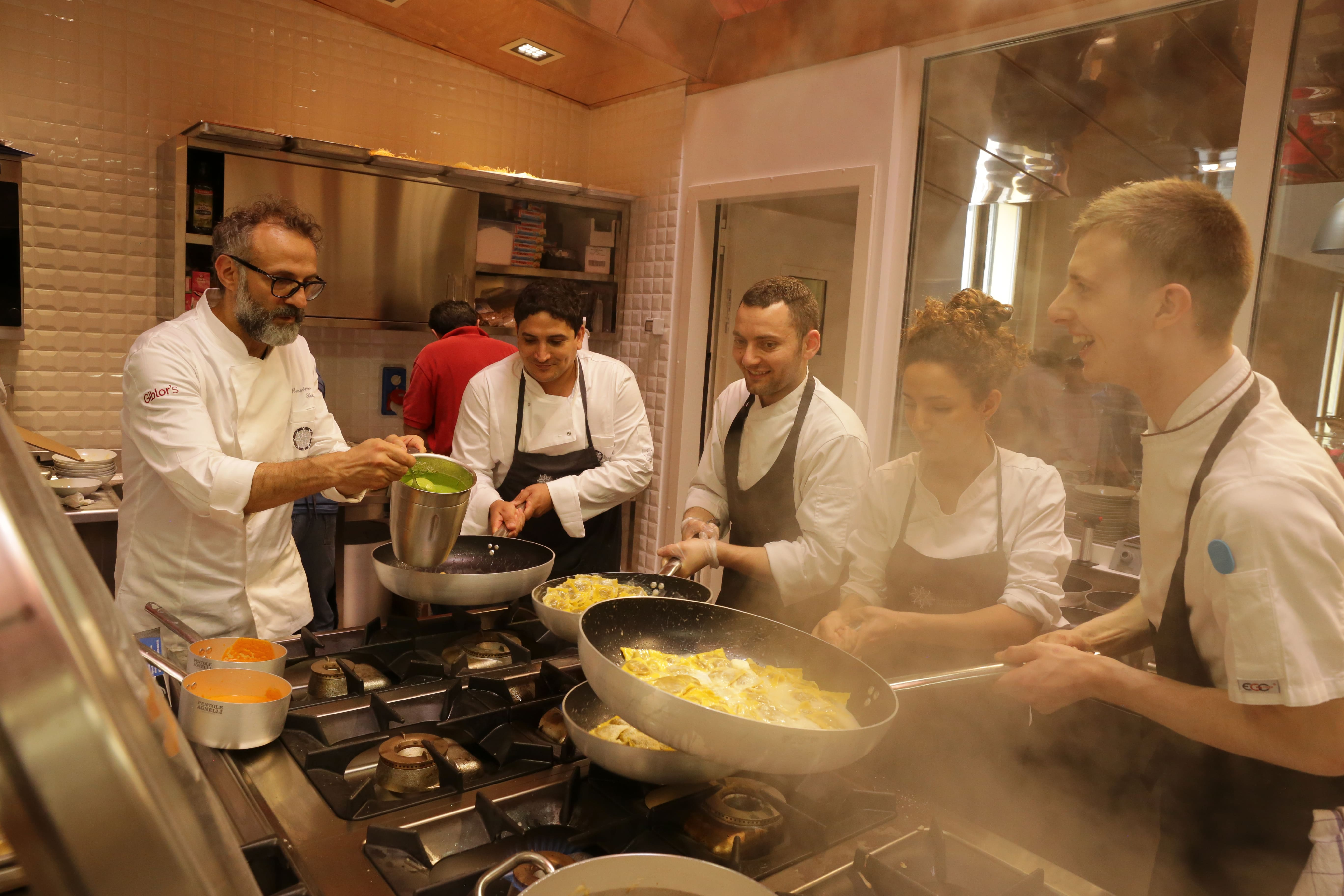 massimo-bottura-food-for-soul-kitchen-cooking