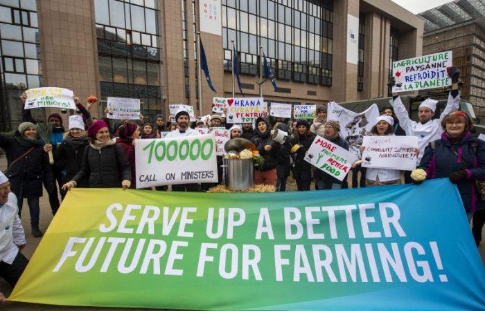 Slow Food Europe et d'autres groupes de la société civile se font l'écho de 100 000 citoyens européens, exhortant les ministres de l'UE à élaborer un avenir meilleur pour l'agriculture